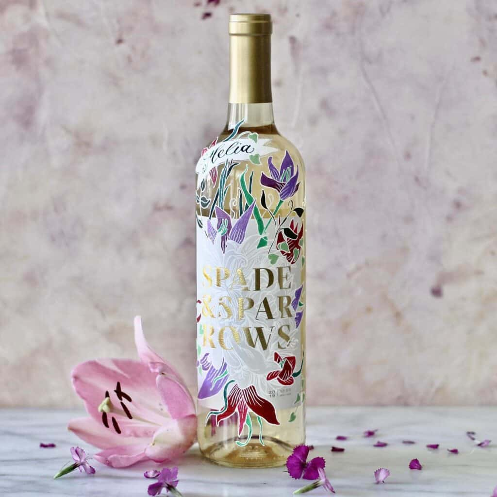 Decorate a Wine Bottle with Words and Paintings Mixed 1