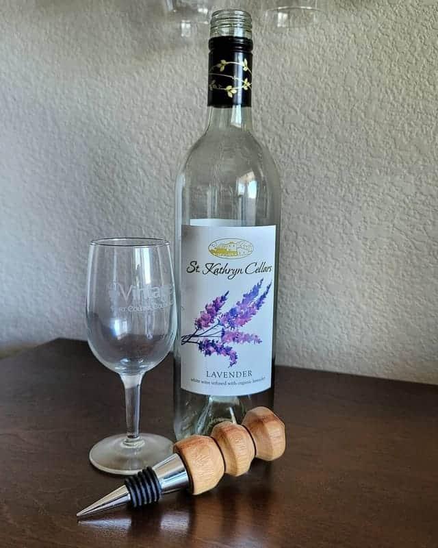 Use a Recork Wine Tool