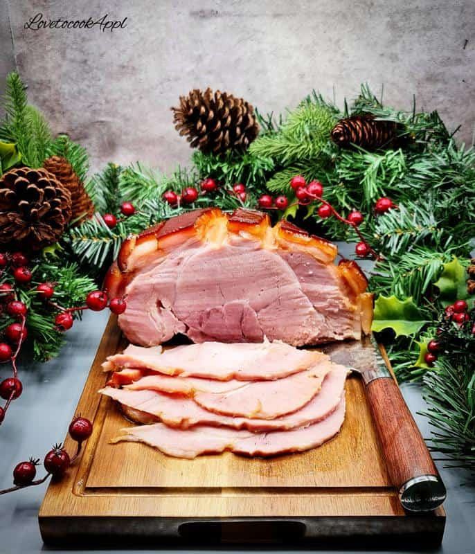 Glazed baked ham